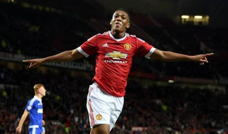 Mourinho he lo cach dung Anthony Martial - Anh 1