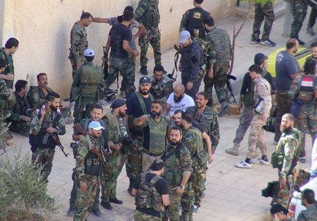 Quan doi Syria giai phong them loat khu vuc o Damascus - Anh 3