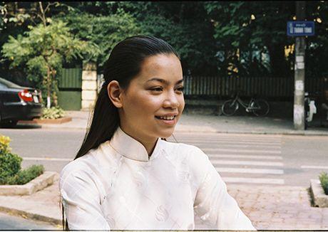 Guong mat 'la' cua Ho Ngoc Ha trong phim 11 nam truoc - Anh 1