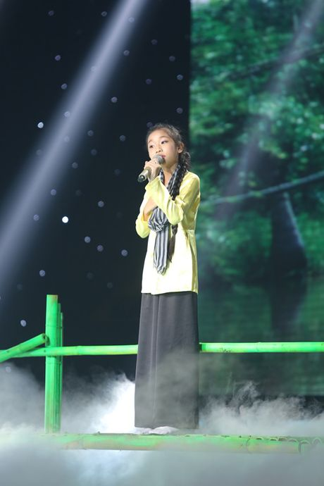 Liveshow 3 The Voice Kids: Dong Nhi lai khoc nhu mua - Anh 10