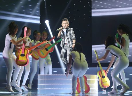 Liveshow 3 The Voice Kids: Dong Nhi lai khoc nhu mua - Anh 9