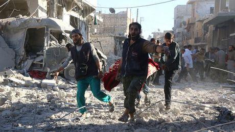 Su kien quoc te noi bat tuan: Lo lua Syria bung phat, Aleppo ben bo vuc huy diet - Anh 2