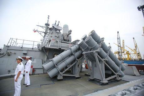 Can canh tau USS John S.McCain lung danh cua hai quan Hoa Ky - Anh 6