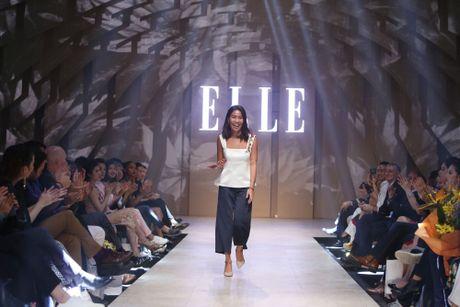 Ky Duyen bat ngo xuat hien trong vai tro vedette tai Elle Fashion Journey 2016 - Anh 10