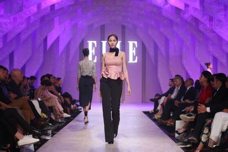 Ky Duyen bat ngo xuat hien trong vai tro vedette tai Elle Fashion Journey 2016 - Anh 11