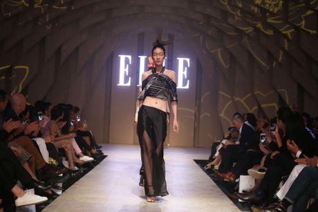 Ky Duyen bat ngo xuat hien trong vai tro vedette tai Elle Fashion Journey 2016 - Anh 13