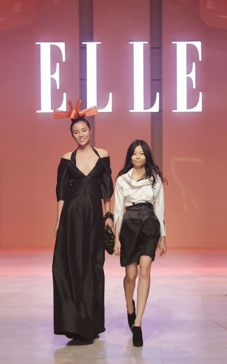 Ky Duyen bat ngo xuat hien trong vai tro vedette tai Elle Fashion Journey 2016 - Anh 14