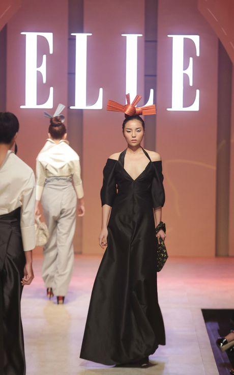 Ky Duyen bat ngo xuat hien trong vai tro vedette tai Elle Fashion Journey 2016 - Anh 15