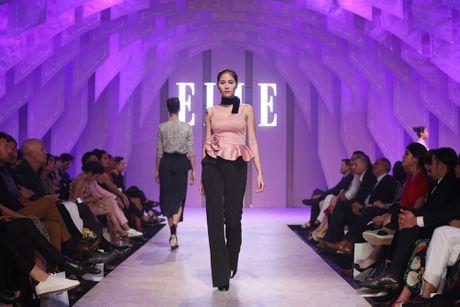 Ky Duyen bat ngo xuat hien trong vai tro vedette tai Elle Fashion Journey 2016 - Anh 17