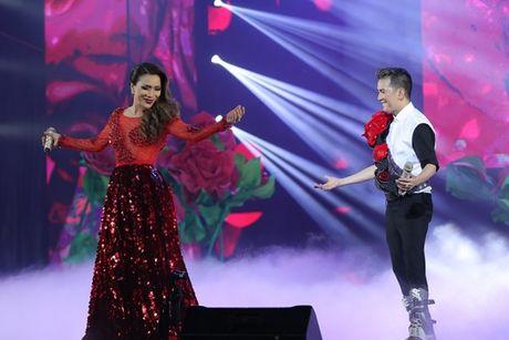 Mr Dam nhay sung den dut mui khau o chan trong Liveshow 'nua trieu do' - Anh 11