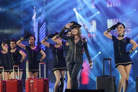 Mr Dam nhay sung den dut mui khau o chan trong Liveshow 'nua trieu do' - Anh 15
