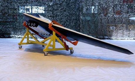 Iran trinh lang UAV tan cong mo phong may bay My - Anh 1