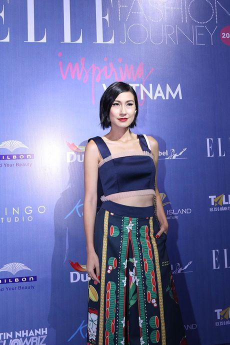 'Ban gai Cuong Dola', Ha Vi an tuong tren tham do 'Elle Show 2016' - Anh 6