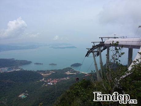 Cheo leo giua troi tren cay cau doc di nhat Malaysia - Anh 7