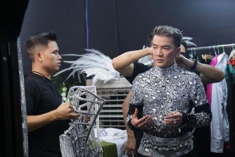 Trang phuc trong Liveshow 12 ty cua Dam Vinh Hung - Anh 3