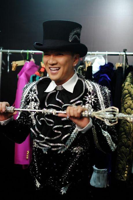 Trang phuc trong Liveshow 12 ty cua Dam Vinh Hung - Anh 7