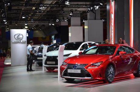 230 thuong hieu xe danh tieng quy tu tai Paris Motor Show 2016 - Anh 1