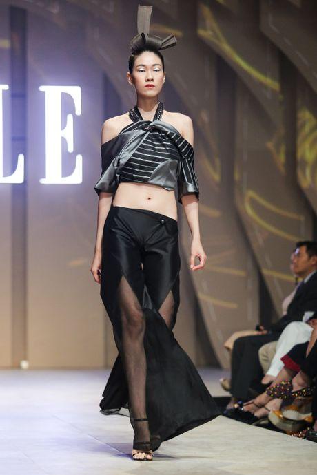 Ky Duyen dien vay xe sau lam vedette o Elle Show - Anh 4