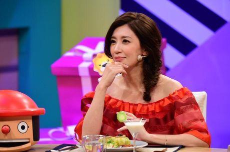 Sao 'Y thien do long ky' mang thai con thu 3 o tuoi 42 - Anh 2