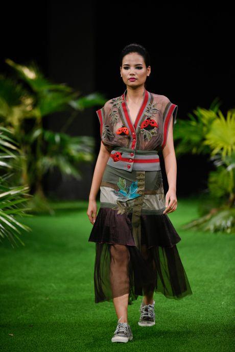 Bo suu tap khac biet nhat tai Vietnam Fashion Week - Anh 11