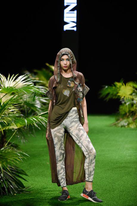 Bo suu tap khac biet nhat tai Vietnam Fashion Week - Anh 12