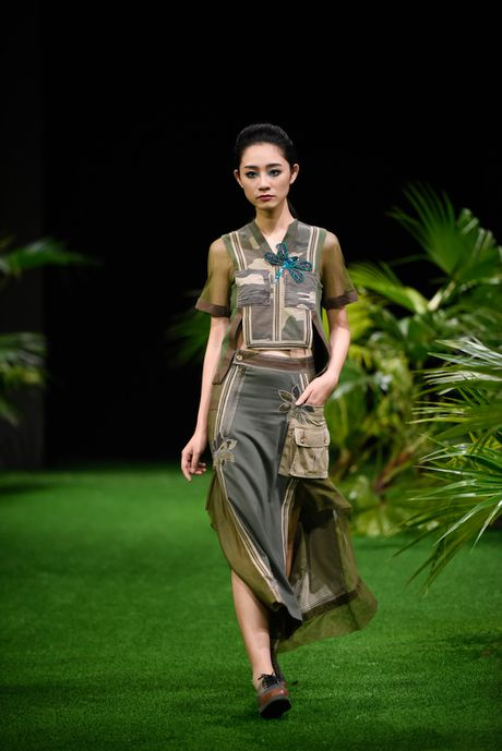 Bo suu tap khac biet nhat tai Vietnam Fashion Week - Anh 2