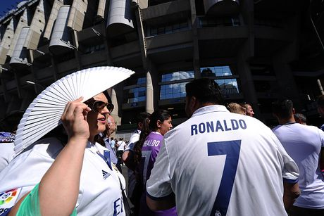 Real Madrid vs Eibar (0-0, H1): Tim lai cam hung chien thang - Anh 2