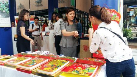 TP.HCM: Hon 650 mau lich trung bay tai trien lam lich Xuan 2017 - Anh 1