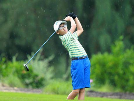 FLC Golf Championships 2016: Bat ngo tu gon thu thieu nien - Anh 1