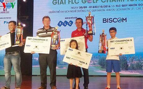 'Than dong' golf Viet Nam len ngoi tai FLC Championship o tuoi 12 - Anh 2