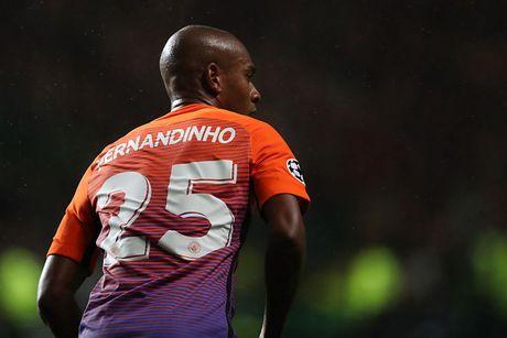 Doi hinh 'sieu manh' ket hop giua Tottenham voi Man City - Anh 7