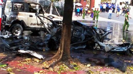 Quang Ninh: No xe taxi 2 nguoi tu vong - Anh 1