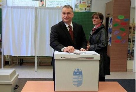 That bai trung cau dan y, Thu tuong Hungary doi dau EU - Anh 1