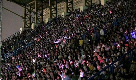 Dong Nhi khien 15 nghin fan 'hung huc khi the' - Anh 3