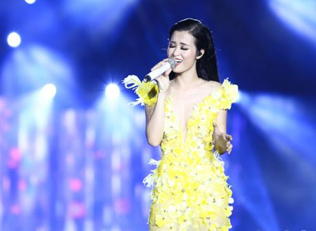 Dong Nhi khien 15 nghin fan 'hung huc khi the' - Anh 9