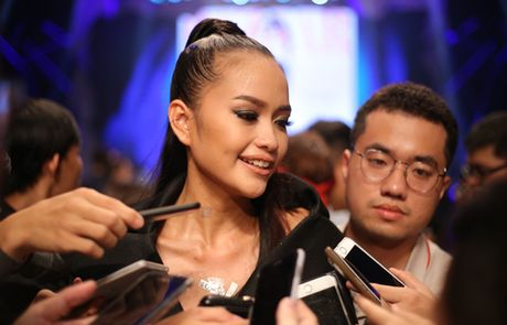 Quan quan Vietnam's Next Top Model 'lep ve' truoc hot girl Fung La? - Anh 4