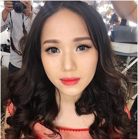 Kinh ngac voi su 'lot xac' nhan sac cua Thuy Chi - Anh 9