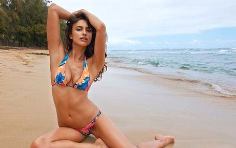 Irina Shayk lai gay sot tren san thoi trang - Anh 7