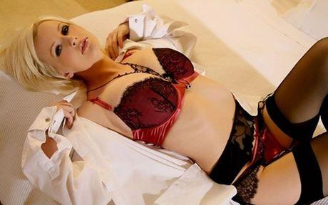 Ve sexy kho cuong cua Michelle Marsh - Anh 2