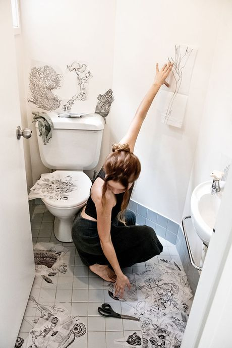 Phu phep toilet thanh khong gian nghe thuat dep kinh ngac - Anh 2