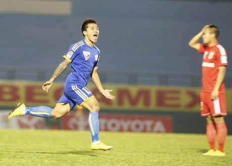 Nguoi hung AFF Cup cua Viet Nam bat ngo giai nghe - Anh 9
