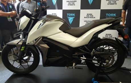 Tork T6X: xe mo-to dien gia re vua ra mat tai An Do - Anh 2