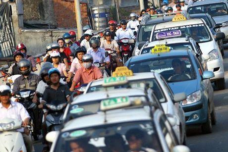 Tu 3/10, Thu truong Bo Tai chinh tu lai xe hoac thue taxi di lam - Anh 1
