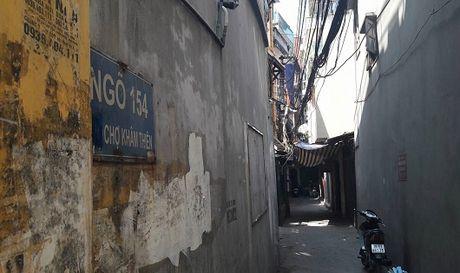 Ha Noi: Nghi an chong dam vo guc chet tai nha rieng - Anh 1