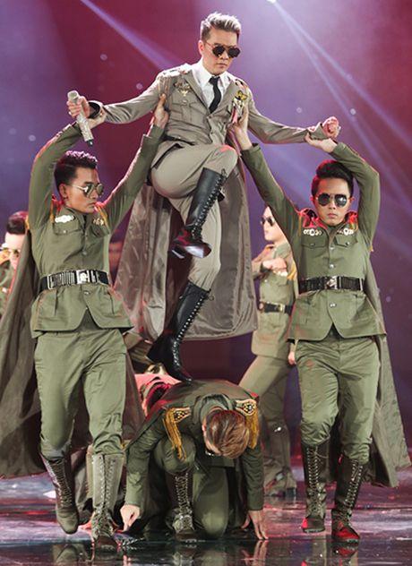 20 bo do lap lanh cau ky cua Mr. Dam trong 'Diamond show' - Anh 10