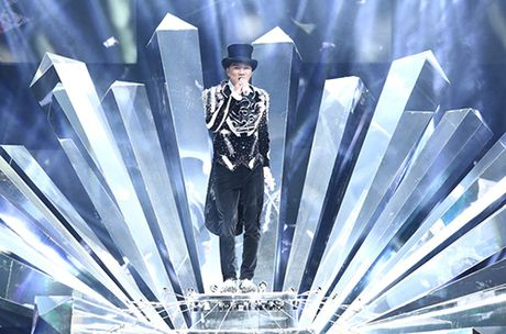 20 bo do lap lanh cau ky cua Mr. Dam trong 'Diamond show' - Anh 1