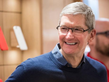 CEO Tim Cook tin ky nguyen smartphone da ket thuc voi BlackBerry - Anh 1