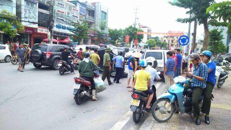 Vu no taxi o Quang Ninh: Xac dinh danh tinh tai xe tu vong - Anh 3