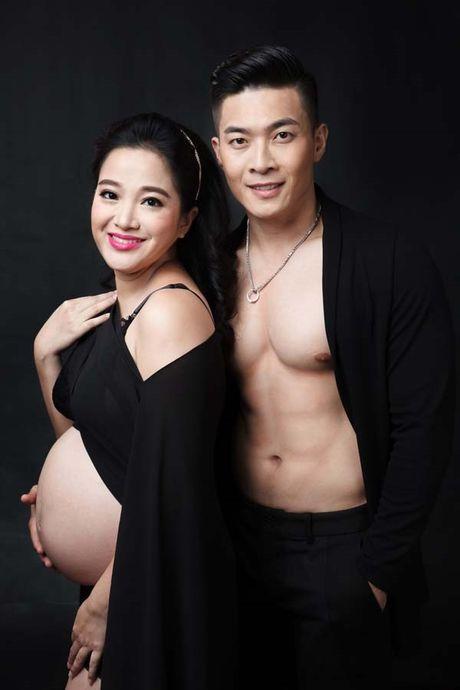 Bau 6 thang, Hong Phuong van mao hiem 'lam xiec' cung chong - Anh 4