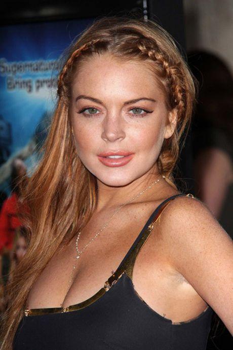 Lindsay Lohan bi dut nua ngon tay - Anh 1